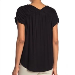 H by bordeaux Tops - Ruched V-neck T-shirt